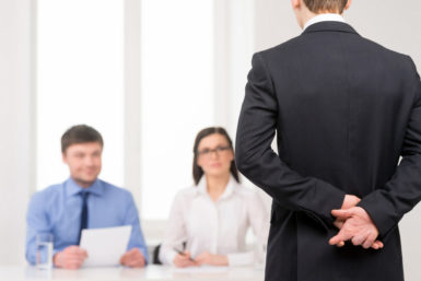 Studie: Flunkern im Jobinterview hilft