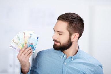 Mehr Geld sorgt für mehr Zufriedenheit