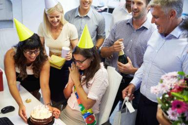 Alles Gute zum Geburtstag: Richtig gratulieren (im Job)