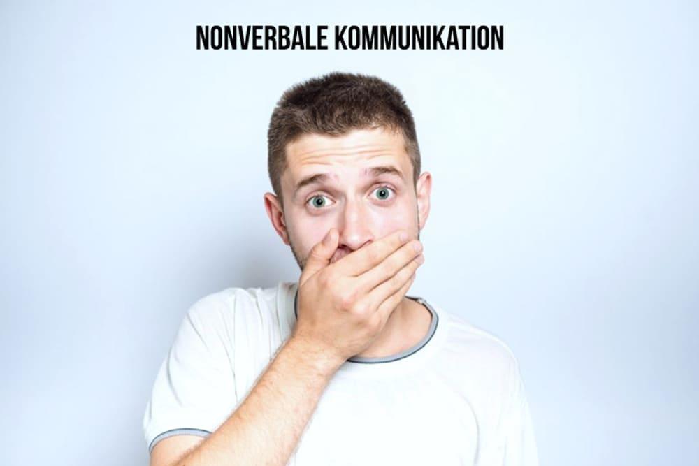 Nonverbale Kommunikation Signale Koerpersprache Haltung