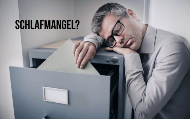 Schlafmangel Auswirkungen Koerper Tod Symptome Ursachen Halluzinationen Kopfschmerzen Depression Mann Akten