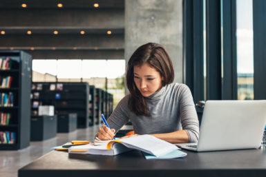 Vollzeitstudium: Definition, Vorteile, Tipps
