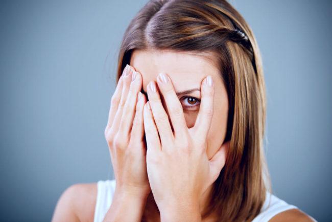 Soziale Phobie: Symptome, Ursachen und Behandlung