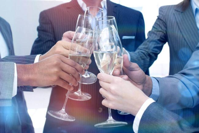 Alkohol am Arbeitsplatz: Wann drohen Konsequenzen?