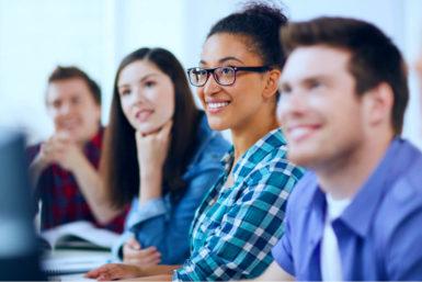Schulische Ausbildung: Infos für Azubis