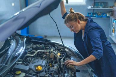 Beruf Kfz-Mechatroniker: Ausbildung, Gehalt, Karriere, Bewerbung