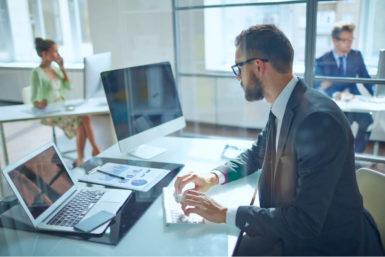 Beruf Wirtschaftsinformatiker: Ausbildung, Gehalt, Karriere, Bewerbung