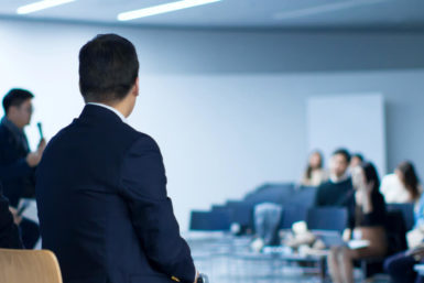 Nationale Weiterbildungsstrategie: Wie lernen wir in Zukunft im Beruf?